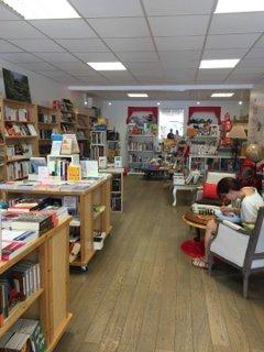 Photo of the September 6, 2016 1:06 PM, Librairie Au Fil des Mots, 18 Rue de la Croix Blanche, 31700 Blagnac, France