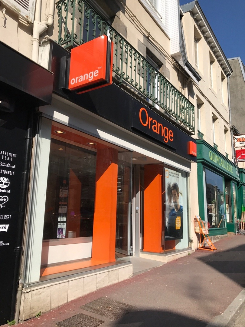 Photo of the March 16, 2017 1:53 PM, Orange, 57 Rue Couraye, 50400 Granville, France