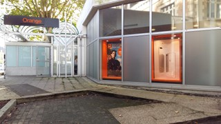 Foto vom 23. Oktober 2017 08:17, Boutique Orange - Lannion, Square de la Poste, 22300 Lannion, France