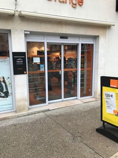 Foto vom 1. Februar 2018 11:02, Boutique Orange - Lons le Saunier, 12 Place de la Liberté, 39000 Lons-le-Saunier, France