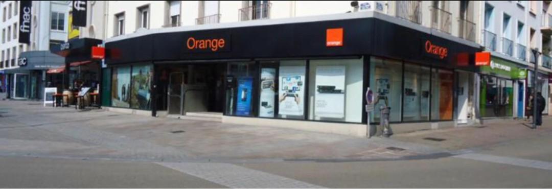 Photo du 16 octobre 2017 13:56, Boutique Orange - Lorient, 13 Place Aristide Briand, 56100 Lorient, France
