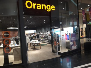 Foto vom 26. Januar 2018 09:02, Orange, 51 BOULEVARD DU MARECHAL DE LATTRE DE TASSIGNY, CENTRE COMMERCIAL LECLERC, 49400 Saumur, France