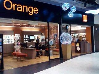 Photo du 1 décembre 2016 14:18, Boutique Orange Gdt - Aulnoy lez Valenciennes, AVENUE HENRI MATISSE, Centre Commercial CARREFOUR, 59300 Aulnoy-Lez-Valenciennes, France