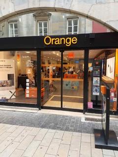 Photo du 25 octobre 2017 09:45, Boutique Orange Centre - Besançon, 13 Grande Rue, 25000 Besançon, France