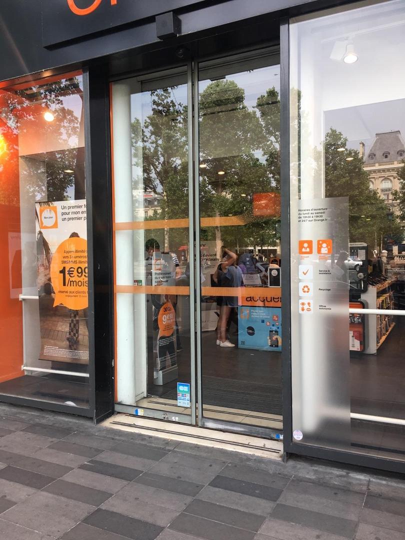 Photo of the June 22, 2017 2:05 PM, Orange, 13 Place de la République, 75003 Paris, France