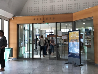 Foto vom 21. Mai 2017 14:31, Boutique SNCF, Semard, Rue Saint-Pierre, 50400 Granville, France