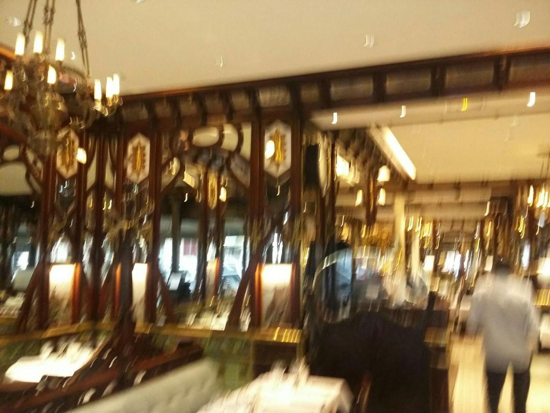 Foto del 4 de noviembre de 2017 10:19, Brasserie Vagenende, 142 Boulevard Saint-Germain, 75006 Paris, Francia