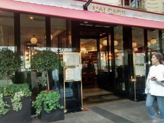 Foto vom 2. September 2017 14:52, Brasserie l'Alsace, 39 Av. des Champs-Élysées, 75008 Paris, France