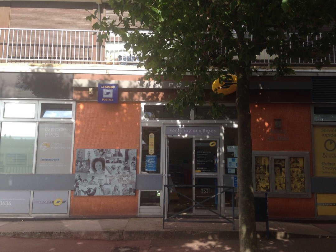 Photo of the August 11, 2016 2:42 PM, La Poste, 99 Rue Boucicaut, 92260 Fontenay-aux-Roses, France