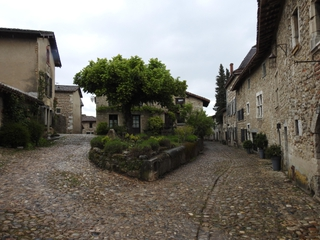 Photo of the June 10, 2017 2:38 PM, Cité médiévale de Pérouges, 01800 Pérouges, Francia