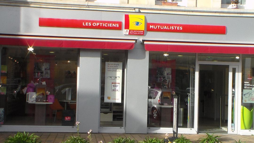 Foto del 5 de febrero de 2016 18:55, OPTICIENS MUTUALISTES, 18 Place Charles de Gaulle, 76210 Bolbec, France