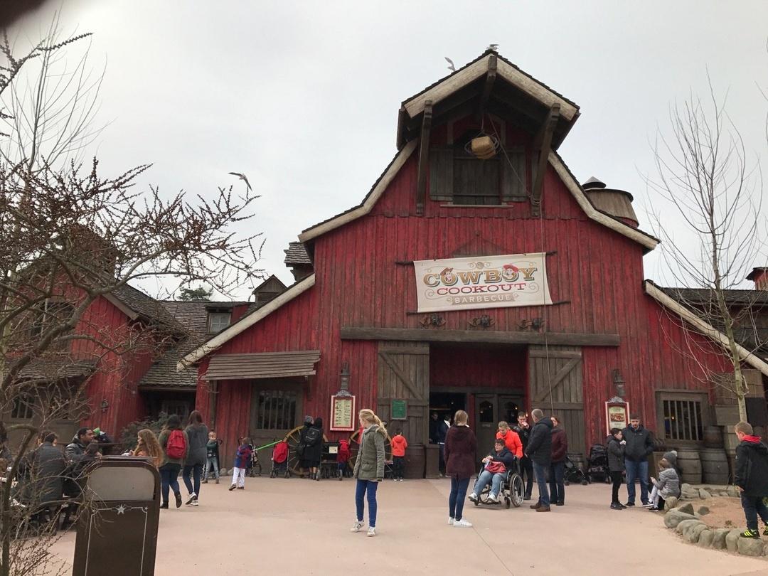 Foto vom 3. März 2017 12:59, Cowboy Cookout Barbecue, Parc d'Attractions Disneyland Paris, 77700 Chessy, Frankreich