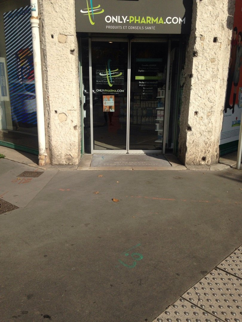 Photo du 18 octobre 2016 13:26, Pharmacie Perrache-Carnot, Only-Pharma.com, 55 Rue Auguste Comte, 69002 Lyon, France