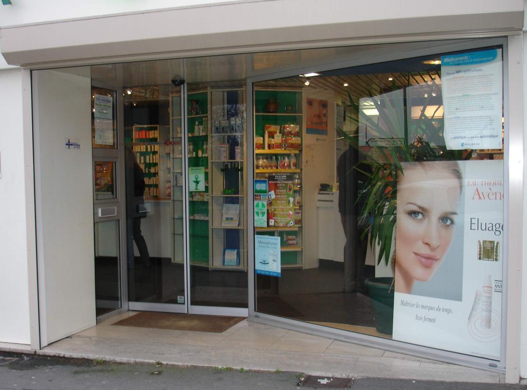 Photo of the February 5, 2016 6:48 PM, Pharmacie Victor Hugo, 20 Place Victor Hugo, 02000 Laon, France