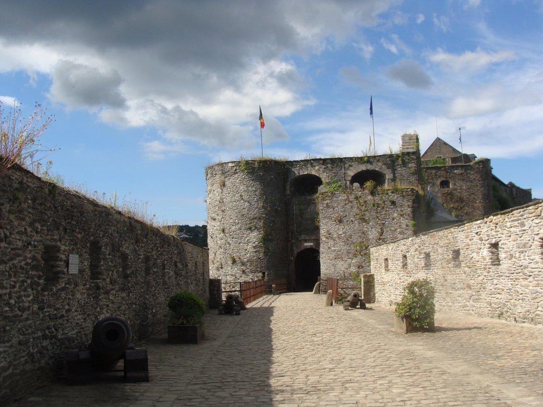 Photo of the September 13, 2016 11:49 AM, castle - SI Bouillon, esplanade G. de Bouillon 1, 6830 Bouillon, Belgio
