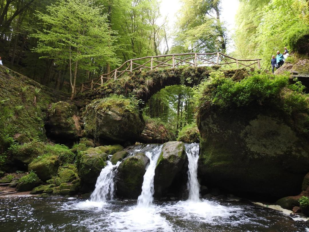 Foto del 1 de junio de 2016 13:52, Schiessentümpel Cascade, CR 121, 6245 Mullerthal, Luxemburgo