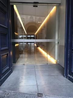 Foto vom 25. Oktober 2017 15:13, Dr Pierre Leroy, 14 Rue des Capucines, 75002 Paris, France