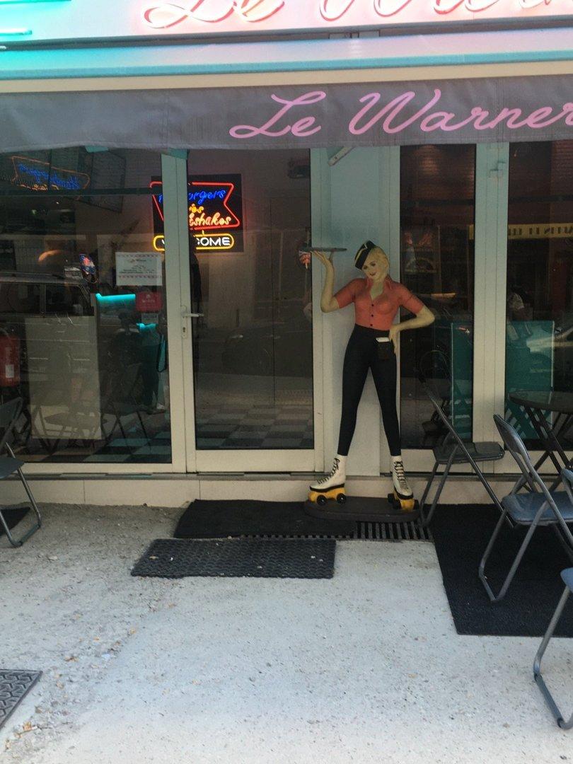 Foto del 19 de julio de 2016 18:06, Le warner, 36 Rue des Couronnes, 75020 Paris, Francia
