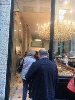 Photo du 18 octobre 2016 14:00, Aux Merveilleux de Fred, 32 Rue Grenette, 69002 Lyon, Francia