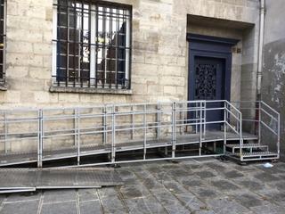 Foto vom 30. Juni 2017 17:46, Ecole maternelle , 40 Rue des Archives, Paris, France