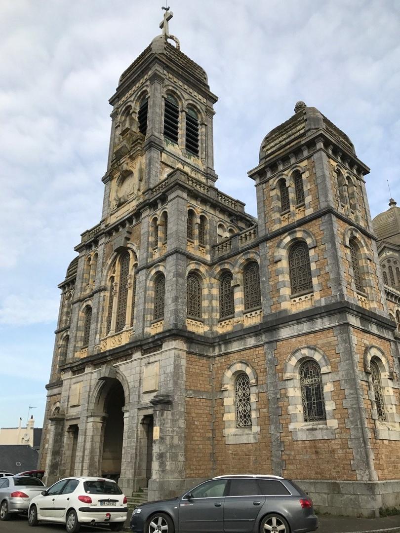 Foto del 11 de marzo de 2017 14:53, Eglise Saint-Paul, Parvis Saint-Paul, 50400 Granville, Francia