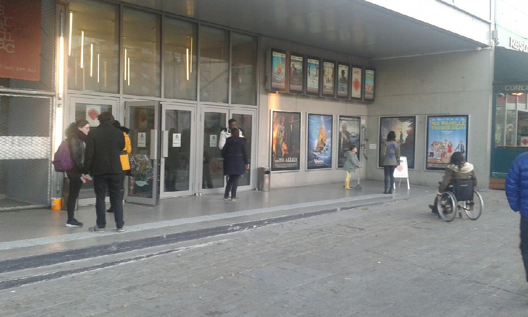 Photo of the December 3, 2016 3:11 PM, Cinéma Étoile Lilas, Place du Maquis du Vercors, 75020 Paris, France