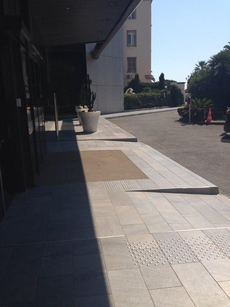 Foto del 9 de septiembre de 2016 11:59, AC Hotel by Marriott Nice, 59 Promenade des Anglais, Entrée Rue Honorée Sauvan, 06000 Nice, Francia