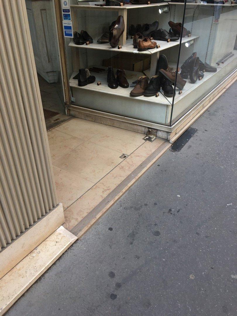 Shoe store - Adrien Chaussures femmes , Lyon