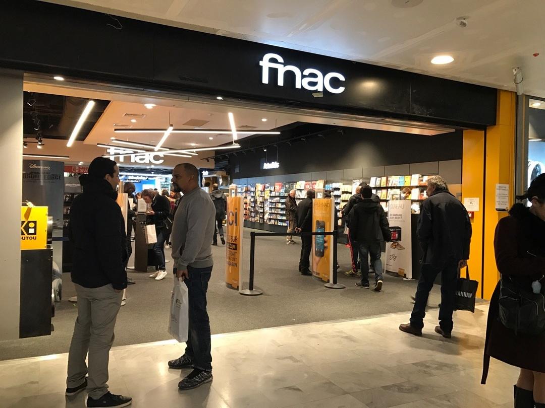 Foto del 4 de marzo de 2017 19:22, Fnac Paris - Forum des Halles, Rue Berger, 75001 Paris, Francia