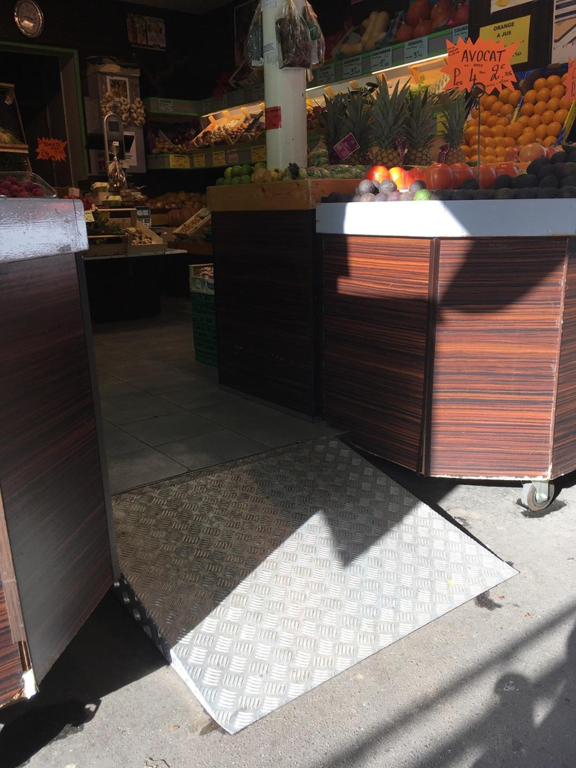 Foto vom 16. Oktober 2017 13:45, Gâtines Primeurs, 23 Rue des Gâtines, 75020 Paris, Frankreich