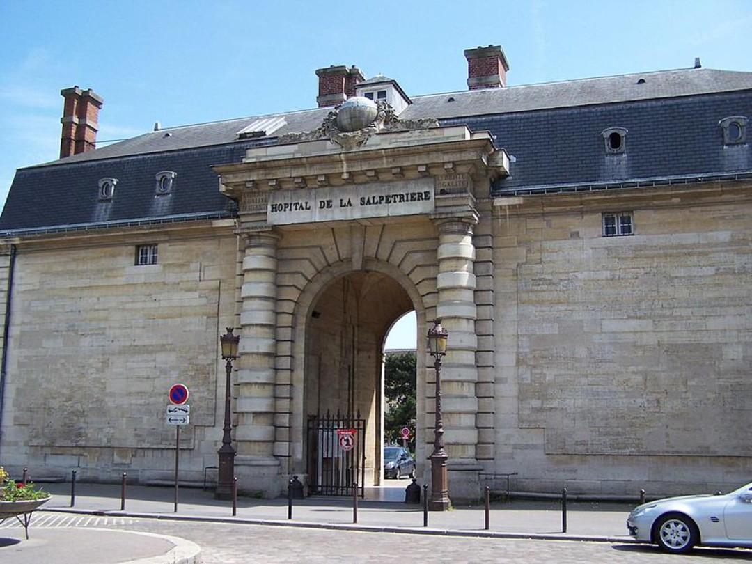 Foto vom 18. September 2017 04:57, University Hospitals Pitié Salpêtrière - Charles Foix, 47-83 Boulevard de l'Hôpital, 75013 Paris, Frankreich