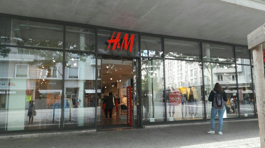 Photo of the September 18, 2017 9:56 AM, H&M, 3 Place de Genève, 73000 Chambéry, France