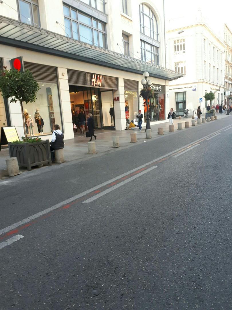 Photo of the September 20, 2017 4:27 PM, H&M, 22 Rue de la République, 84000 Avignon, France