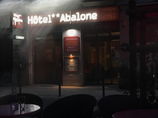 Photo of the November 3, 2017 4:46 PM, Hôtel Abalone, 23 Avenue Feuchères, 30000 Nîmes, Francia