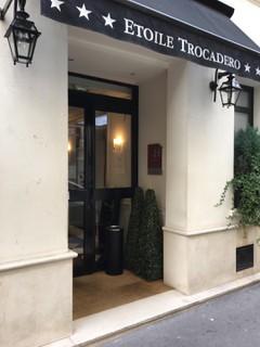 Foto vom 2. November 2017 10:53, Hôtel Etoile Trocadéro, 21 Rue Saint-Didier, 75116 Paris, France