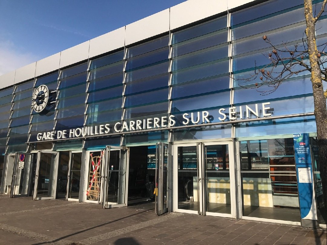 Photo of the February 19, 2017 1:50 PM, Gare de Houilles - Carrières-sur-Seine, 78800 Houilles, France