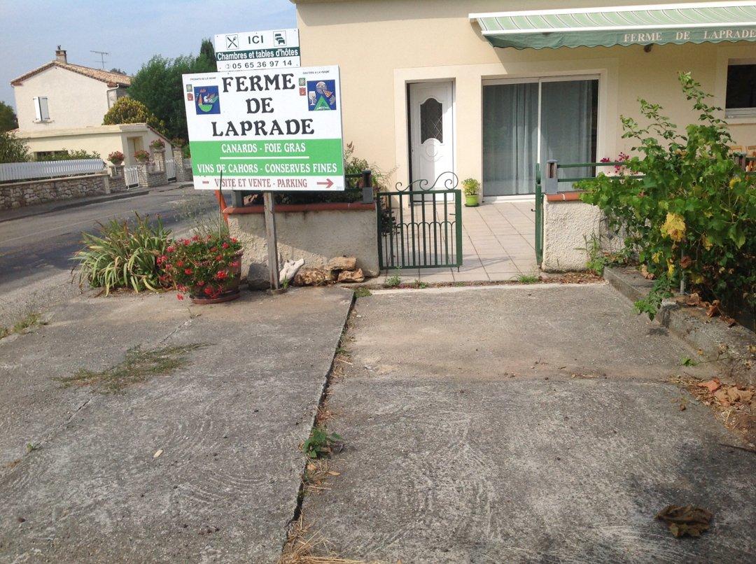 Photo of the August 17, 2016 2:46 PM, Ferme de Laprade, Le Bourg, 46140 Sauzet, France