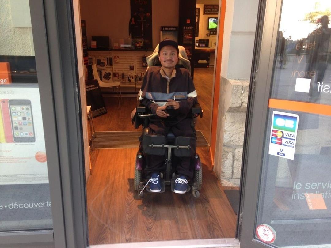 Photo of the February 5, 2016 6:55 PM, Boutique Orange, 6 bis RUE Aloysi Kospicki BAT C Ccial LA Caserne DE Bonne, 38000 Grenoble, Francia