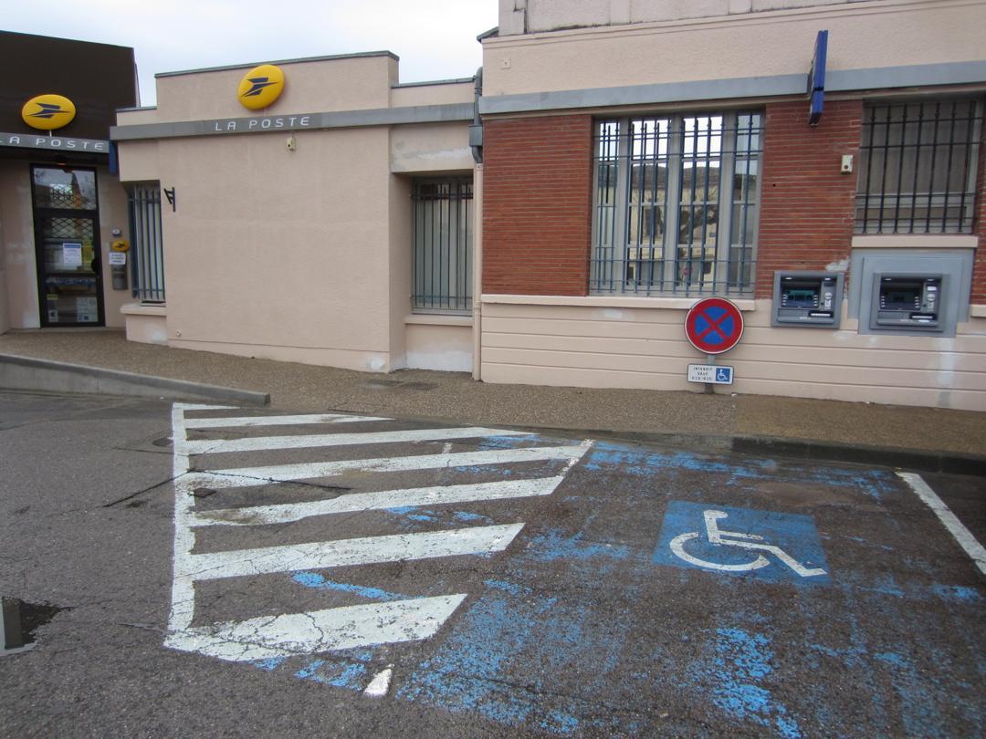 Foto del 5 de febrero de 2016 18:55, La Poste, Place des Belges, 82100 Castelsarrasin, Francia