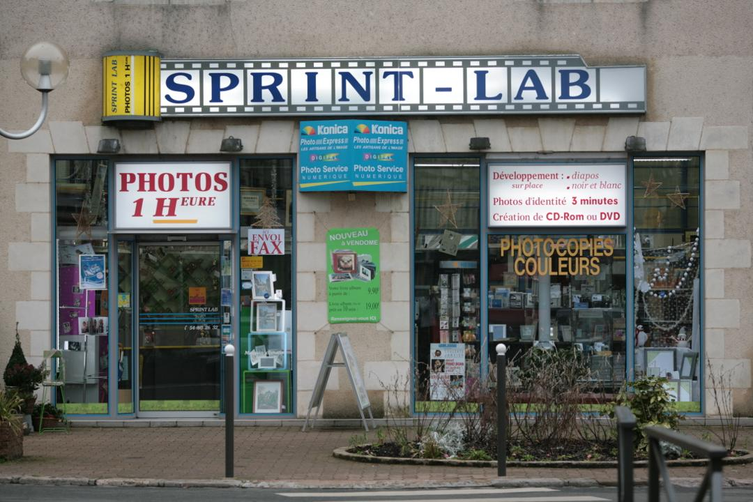 Photo of the February 5, 2016 6:55 PM, SPRINT LAB PHOTOGRAPHE, 15 Rue Guesnault, 41100 Vendôme, France
