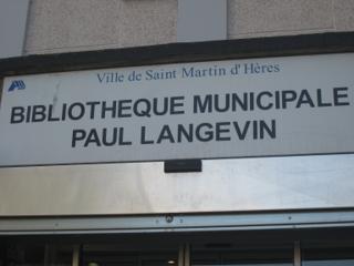 Foto vom 5. Februar 2016 18:54, Library Paul Langevin, 29 Place Karl Marx, 38400 Saint-Martin-d'Hères, France
