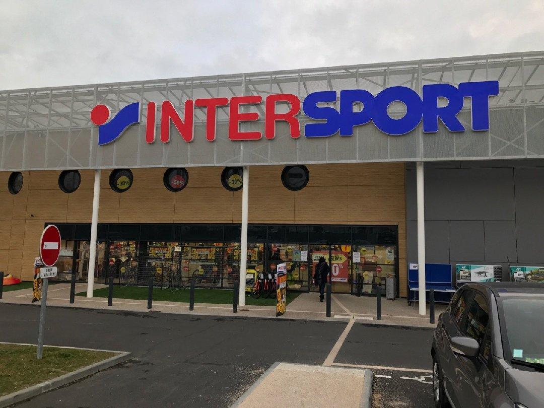 Photo du 11 février 2017 17:38, Intersport, 73 Rue du 8 Juin 1944, 50400 Granville Yquelon, France