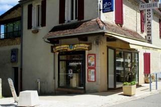 Photo du 8 juillet 2018 14:30, Iragne, Place Mairie, 46240 Labastide-Murat, France