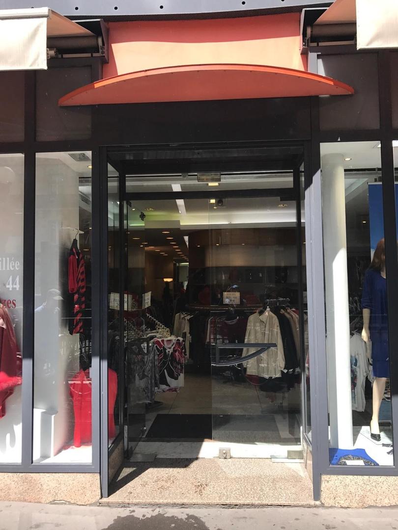 Foto vom 6. Juni 2017 13:01, Jeanne Rafal, 36 Boulevard Haussmann, 75009 Paris, France