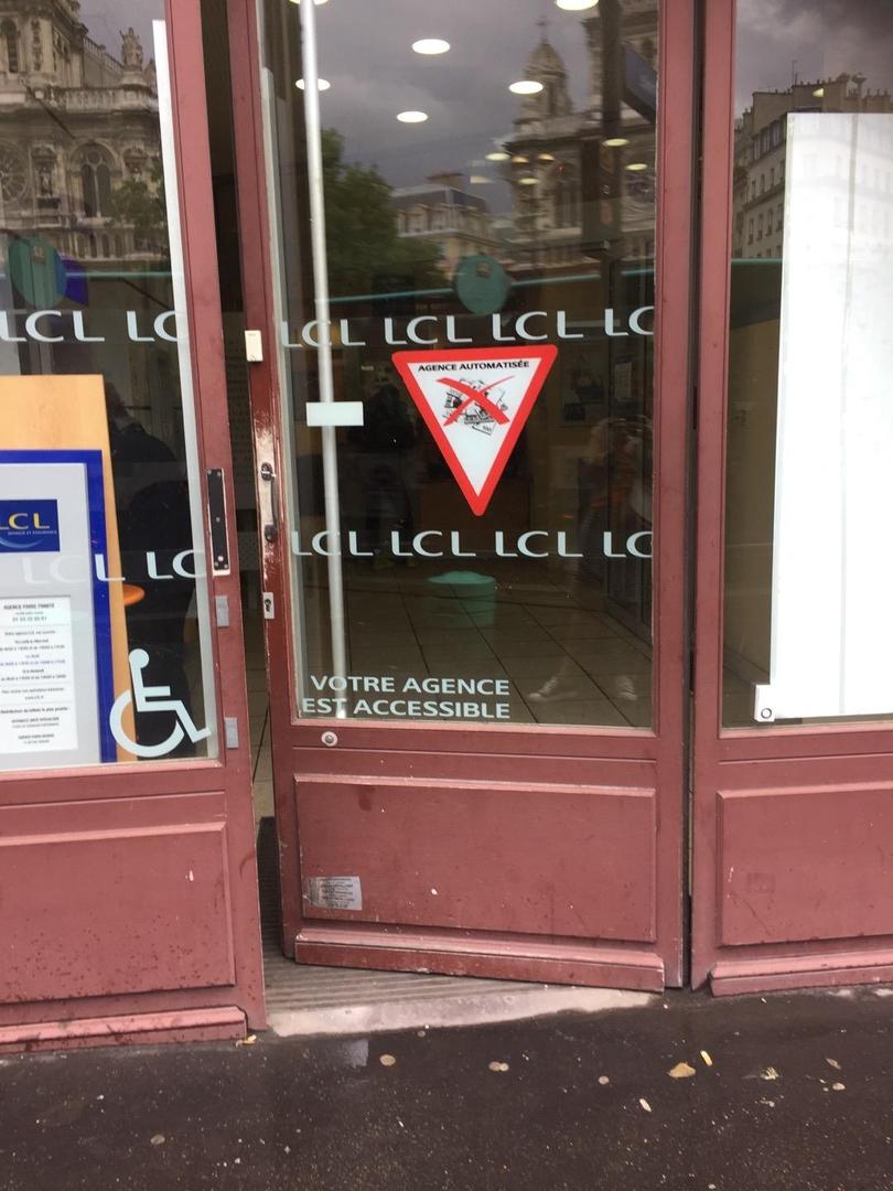 Foto del 6 de junio de 2017 14:09, LCL Banque et Assurance, 75 Rue Saint-Lazare, 75009 Paris, Frankreich
