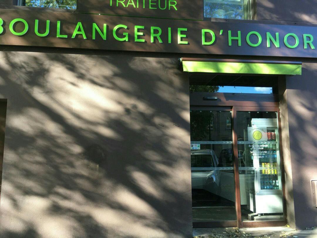 Foto vom 13. November 2017 20:52, La Boulangerie d'Honoré, 10 Boulevard Lelasseur, 44000 Nantes, Frankreich