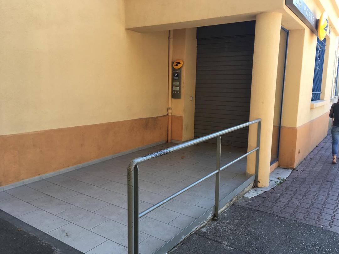 Photo du 13 septembre 2017 16:08, La Poste, Place Pierre Didier Tramoni, 13240 Septèmes-les-Vallons, France