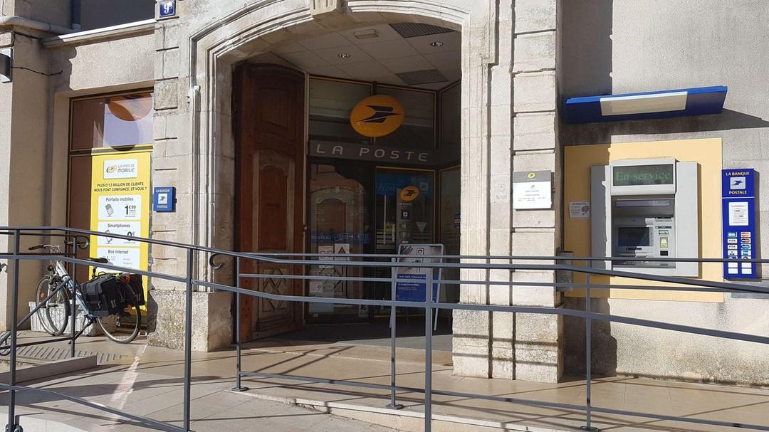 Photo du 16 octobre 2017 14:10, La Poste, 9 Rue des Odebert, 89200 Avallon, France