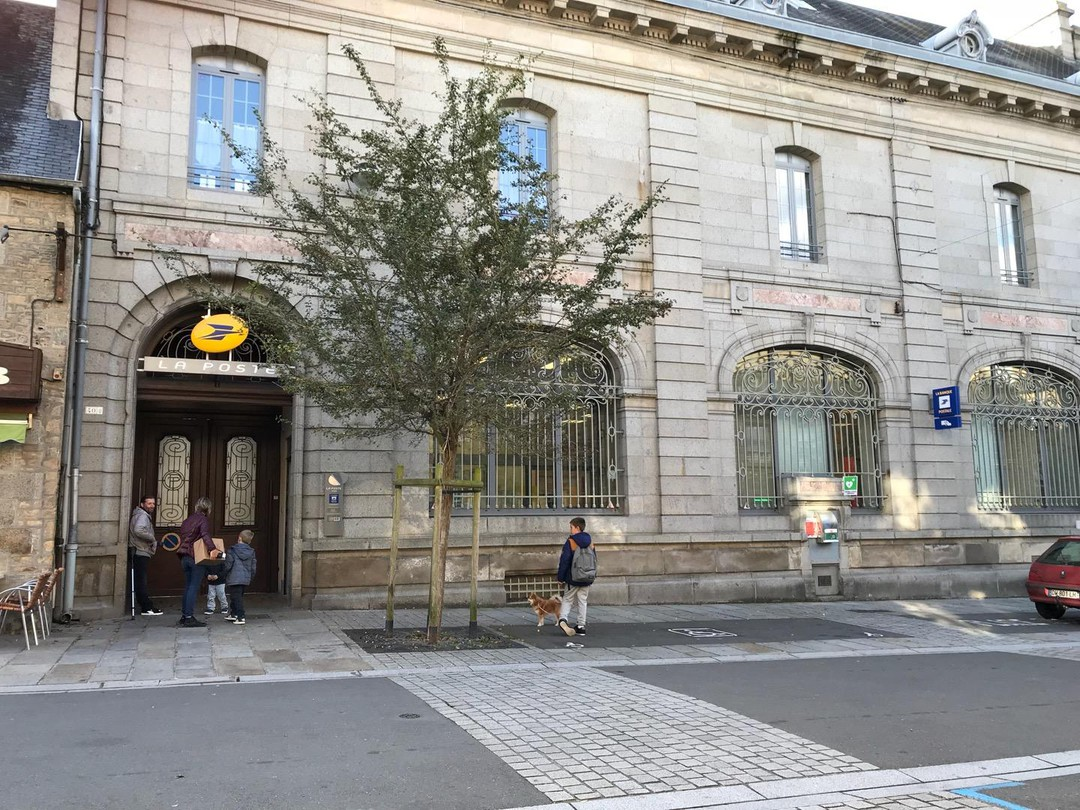 Foto vom 20. Oktober 2017 14:58, La Poste, 42 Rue Saint-Gervais, 50300 Avranches, Frankreich