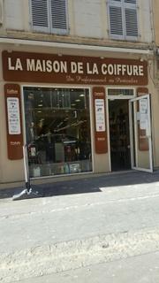 Photo du 1 mars 2017 10:04, La maison de la coiffure, 13 Rue des Tanneurs, 13100 Aix-en-Provence, France
